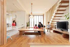 掘りごたつが中心のLDK Style Japonais, Decoration, Colorful Interiors, Dining Room, Minimalist, House Design, Kitchen, Table, Interior Colors