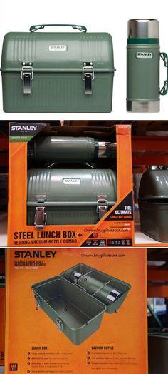 Et n'oublions pas nos hommes : Boîte à lunch et Thermos Stanley vendu à 47.99$ chez Costco. Bushcraft Camping, Camping Survival, Survival Prepping, Survival Gear, Outdoor Life, Outdoor Camping, Camping Outdoors, Stanley Thermos, Steel Lunch Box