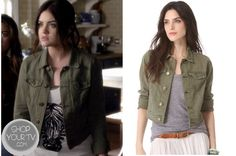 Aria Montgomery (Lucy Hale) wears this pine green distressed denim jacket with antiqued buttons and pockets in this week's episode of Pretty Little Liars. Kelly Fashion, Fashion Tv, Fashion Outfits, Pretty Little Liars Outfits, Pretty Little Liars Seasons, Aria Montgomery Style, Casual Outfits, Cute Outfits, Striped Tank Top