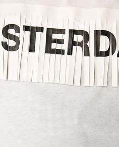 Imagem 5 de T-SHIRT TEXTO FRANJAS da Zara Clothes Words, Zara, Mens Trends, Illustration Girl, How To Dye Fabric, Design Reference, Textile Prints, Slogan, Embroidery Patterns