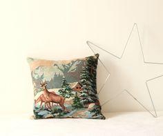 coussin tapisserie vintage paysage montagne chamois TRENDY LITTLE