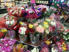 So many beautiful flowers to choose from!