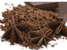 Schokolade: In ihr sind euphorisierende Substanzen wie der hirneigene Botenstoff  Phenylethylamin enthalten, die uns in einen verliebtheitsähnlichen Glückszustand versetzen. Die Verbundenheit zum Partner wird während des Genusses verstärkt. Dies wussten schon die Azteken zu nutzen.
