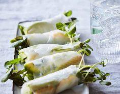 Opskrift på rispapirsruller med røget hellefisk og grøntsager. Rispapirsruller er nemme at tilberede, de er sunde og så smager de fantastisk