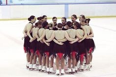 We believe in each other 👯❤️   Competition weeeek 🎉  #cassiopee #internextgen #synchronizedskating #team #competition