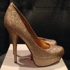 Bakers Gold Glitter Heels Victoria G heels by Bakers. Perfect for parties, prom, or homecoming. Gentle wear on the front toes, some glitter has come off. Not noticeable unless looking up close. Bakers Shoes Heels