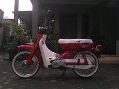 Yamaha v80 sale Honda Cub, Mopeds, Motorbikes, Cubs, Yamaha, Men's Fashion, Motorcycle, Street, Board