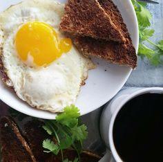 Brunch #organic #coffee #egg #Ezekiel #bread #grassfed #butter @Food_For_Life @KerrygoldUSA   https://instagram.com/p/6nDwehnUkU/