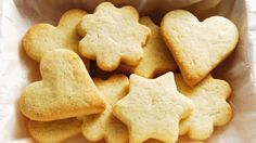 Now everyone can enjoy a classic holiday indulgence that will make the perfect treat in any holiday cookie exchange. Shortbread Recipes, Shortbread Cookies, Cookie Recipes, Snack Recipes, Dessert Recipes, Snacks, Desserts, Butter Cookies Recipe, Gluten Free Cookies
