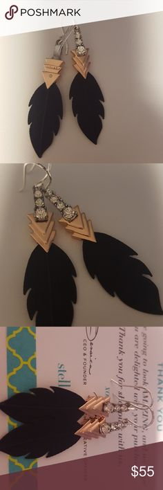 Raven earring New. Only displayed. i can find a box. let me know if box needed. Stella & Dot Jewelry Earrings
