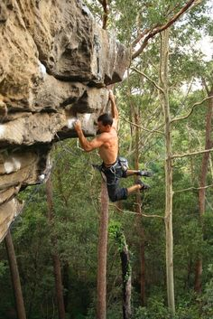 www.boulderingonline.pl Rock climbing and bouldering pictures and news Moves like this take