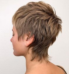 Trendy Very Short Haircuts for Women will be in 2020 women hair trends. In Hollywood, Angelina Jolie and Christine Stewart had used this hair style. Shaggy Short Hair, Short Shag Hairstyles, Short Thin Hair, Short Hair With Layers, Short Hair Cuts For Women, Short Pixie, Short Haircuts, Shaggy Pixie Cuts, Short Punk Hair