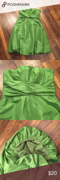 Beautiful Strapless Green Donna Rocco Dress Beautiful Strapless Green Donna Rocco Dress. Size 10. Perfect for a wedding Donna Ricco Dresses Strapless
