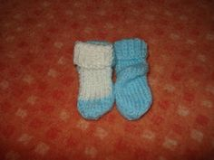BabyKlokánci: Ponožtičky pletené Gloves, Socks, Winter, Sock, Stockings, Mittens, Winter Fits, Ankle Socks, Winter Fashion