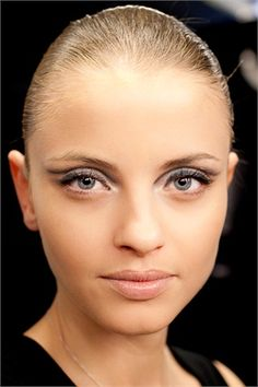 The beauty tricks of Linda Cantello, guru of make up to achieve a perfect graphic make up