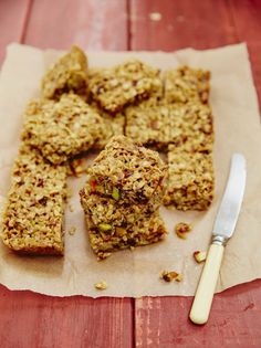 This Jamie Oliver recipes shows you how to make flapjacks with honey. This is a soft, chewy flapjack recipe, but you can bake them for longer if you like. Fruit Recipes, Sweet Recipes, Baking Recipes, Snack Recipes, Dessert Recipes, Bread Recipes, Desserts, Recipies, Recipes