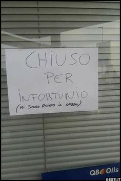 Chiuso per infortunio | BESTI.it - immagini divertenti, foto, barzellette, video Funny Images, Funny Photos, Wtf Funny, Funny Jokes, Italian Humor, Serious Quotes, Savage Quotes, Funny Video Memes, Best Memes