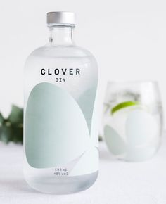 of the Most Beautiful Gin Bottles in the World of the Most Beautiful Gin Bottles in the World – I Love Gin – Cocktails and Pretty Drinks Bottle Packaging, Bottle Labels, Brand Packaging, Plastic Packaging, Food Packaging, Alcohol Bottles, Liquor Bottles, Gin Liquor, Vodka Bar