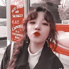 Image in KPOP-G-(i)dle collection by ocean_celeste Korean Aesthetic, Red Aesthetic, Aesthetic Pictures, Aesthetic Pastel, Kpop Girl Groups, Korean Girl Groups, Kpop Girls, Vaporwave, K Pop