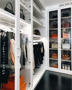 Walk In Wardrobe, Walk In Closet, Bag Closet, Best Designer Bags, Designer Handbags, Chanel Designer, Louis Vuitton Taschen, Best Handbags, Dior Handbags