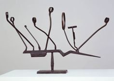 Agricola IX 1952 -- This David Smith sculpture is particularly interesting to me, as differing perspectives change the over-all look of the piece. Metal Art Sculpture, Steel Sculpture, Abstract Sculpture, Sculpture Ideas, Modern Sculpture, Abstract Art, Kandinsky, David Smith Sculptor, Anthony Caro