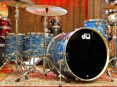 DW Collectors Series 4-Piece in Blue Oyster Glass - Drums - Cymbals - Percussion - The UK finest online percussion store - Drumshop UK