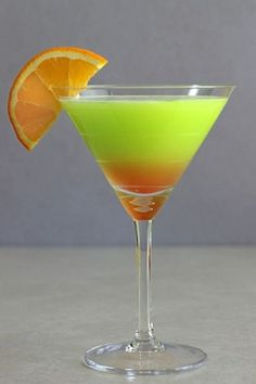 Safari Juice cocktail recipe with Cointreau, Midori, orange juice and grenadine. Cocktail Shots, Cocktail Recipes, Cocktail Night, Cocktail Parties, Bar Drinks, Non Alcoholic Drinks, Drinks Alcohol, Fruit Drinks, Alcohol Recipes