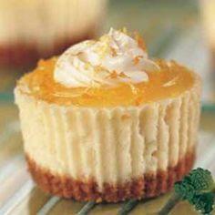 Receta fácil de Cupcakes de Tarta de queso o cupcakes Cheesecake. Aprende cómo preparar la receta básica de los Cupcakes de Tarta de queso fría, sin horno.