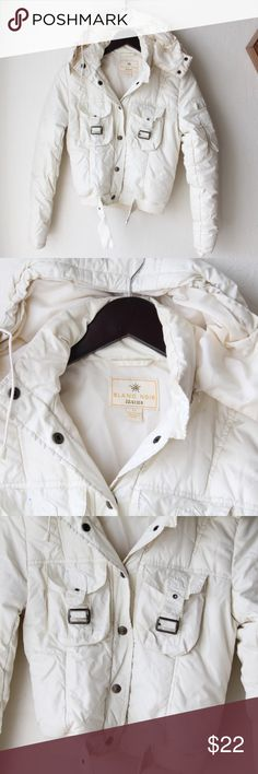 """Super adorable white puff jacket! Arm measure 23.5"""" in length, jacket is 20"""" frocollar. Measures 16"""" pit to pit Blanc Noir Jackets & Coats Puffers"""