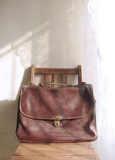 Vintage Bellugio Retro Distressed Rugged Worn Leather Large Briefcase Shoulder Messenger Bag