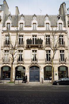 Paris / photo by Plaggue