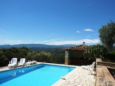 Beautiful secluded villa with infinity pool, walking distance to Fayence and market. Location Saisonnière, Infinity, France, Outdoor Decor, Holiday, Beautiful, Home, Rural Area, Stone