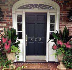 Beautiful Farmhouse Front Door Entrance Decor And Design Ideas 26 Front Door Entrance, Entrance Decor, Front Entrances, Front Doors, Entrance Design, Front Porch Flowers, Summer Front Porches, Summer Porch, Farmhouse Front