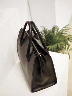 reachel bag sort jim rickey nerio nyhet Bucket Bag, Dust Bag, Bags, Fashion, Scale Model, Handbags, Moda, Fashion Styles, Pouch Bag