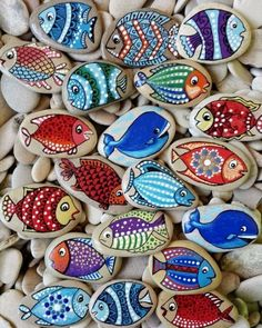 gorgeous fun painted rock ideas looking for some easy painted rock ideas to get inspired by see more ideas about rock crafts painted rocks and stone crafts rockpainting paintedrockideas crafts diy Rock Painting Patterns, Rock Painting Ideas Easy, Rock Painting Designs, Paint Designs, Rock Painting Kids, Pebble Painting, Pebble Art, Stone Painting, Painting Art