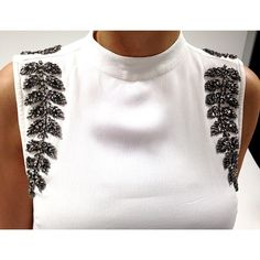 Baby Embroidery, Fashion Details, Fashion Design, Batik Dress, Diy Dress, Diy Clothing, Western Wear, Fashion Sketches, Blouse Designs