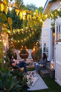 garden Small Garden Ideas For Tiny Outdoor Spaces Summer 2018 Wood Be Loved where even small garden spaces create joy of heart and a place to gather for picnics and BBQ from Whitney Leigh Morris of Tiny Canal Cottage Small Outdoor Patios, Small Backyard Gardens, Small Backyard Landscaping, Small Space Gardening, Small Patio, Garden Spaces, Small Gardens, Backyard Patio, Outdoor Spaces