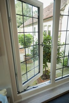 Aluminium Windows In Hampshire At Great Prices - Get A Quote Window Grill Design Modern, House Window Design, Grill Door Design, House Design, Aluminium Windows, Casement Windows, Windows And Doors, Georgian Windows, Minimalist Window