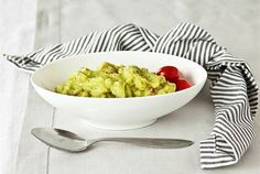 Guacamole, Lactose Free, Macaroni And Cheese, Serving Bowls, Dips, Paleo, Yummy Food, Cooking, Tableware