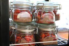 Schokoladenmousse mit Erdbeeren/ chocolate mousse with strawberries