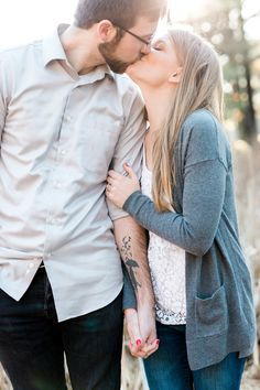 Laurenda Marie Photography | Couples | Engaged | Winter | Lifestyle photography | couples pose | mastin labs | natural | golden hour | unposed