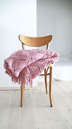 "Vintage crocheted blanket - ""Pink"""