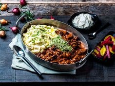 Annonsørinnhold: Her er MENY-kokkens forslag til ukens meny: Uke 8 Beef Stroganoff, Tex Mex, Wok, Pulled Pork, Meatloaf, Paella, Stew, Main Dishes, Food And Drink