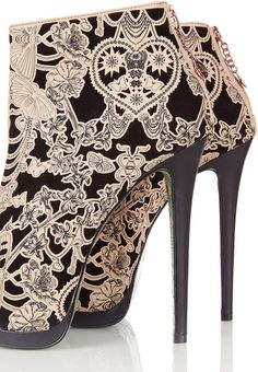 mod podge and nude lace on black shoes