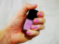 Chanel - Sweet Lilac Nail Colour