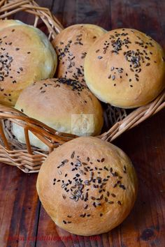 Pastry And Bakery, 30 Minute Meals, Bagel, Hamburger, Food And Drink, Bread, Cooking, Recipes, Romania
