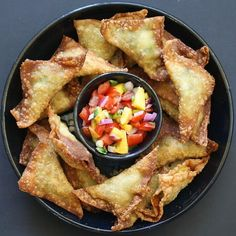 Avocado Chile and Cheese Wontons. Creamy avocado green chile and Monterey Jack stuffed crispy wontons served with peach pico de gallo. Hatch Green Chili Recipe, Green Chili Recipes, Hatch Chili, Milk Recipes, Mexican Food Recipes, Cooking Recipes, Mexican Dishes, Vegetarian Recipes, Mexico Food