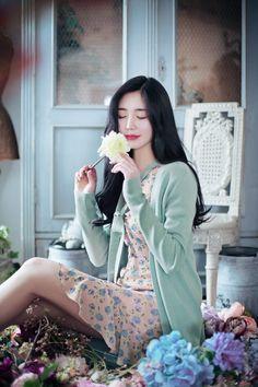 milkcocoa(MT) daily 2018 feminine& classy look - Her Crochet Pretty Asian, Beautiful Asian Girls, Asian Fashion, Girl Fashion, Fashion Outfits, Festival Dress, Korean Outfits, How To Look Classy, Ulzzang Girl