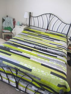 Happier Than A Bird Quilts: Spiffing Stripes  1600 Quilt