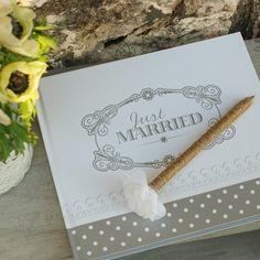 Stylo avec fleur blanche original pour mariage vintage et pour livre d'or